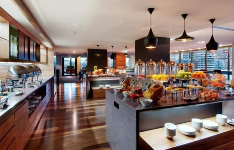 Hilton Melbourne South Wharf - Restaurant - 20