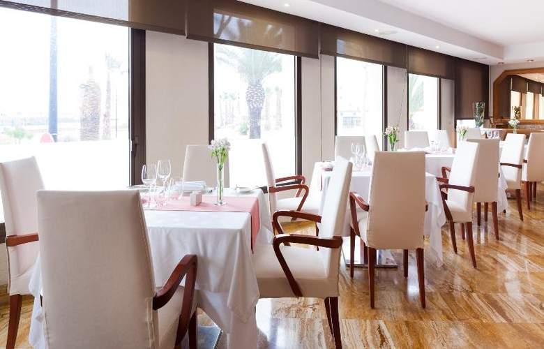 Royal Plaza - Restaurant - 19