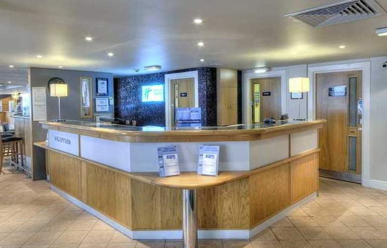 Holiday Inn Express Edinburgh Waterfront - General - 8