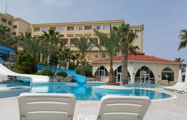 Oscar Resort - Pool - 29