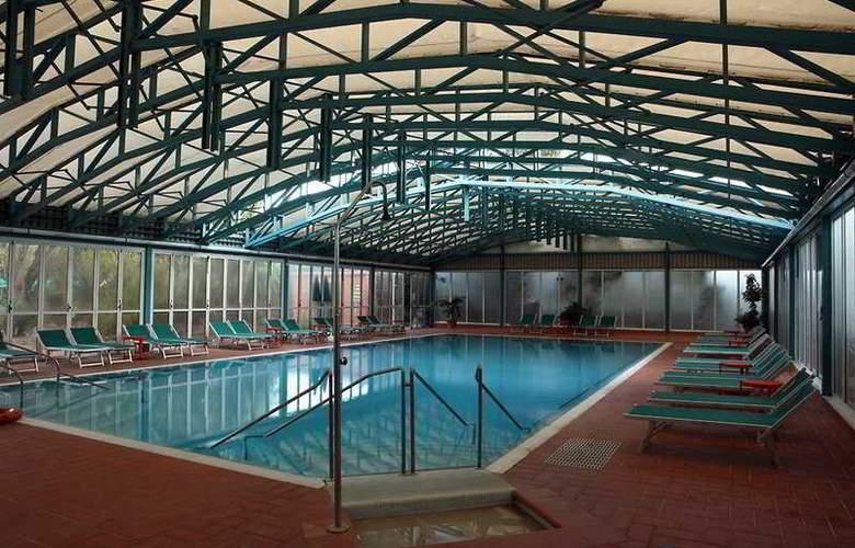 NH Ischia Thermal Spa Resort - Pool - 4
