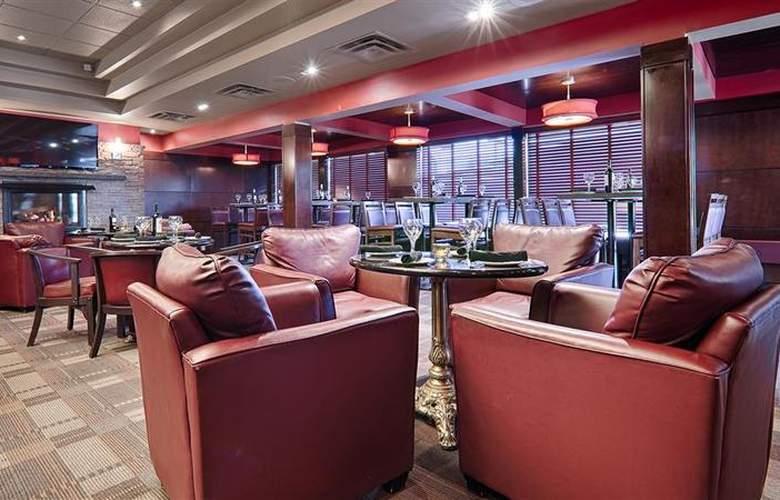Best Western Plus Denham Inn & Suites - Bar - 106