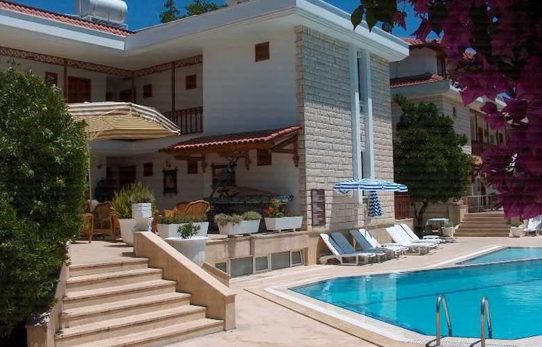 Felice Hotel - Pool - 22