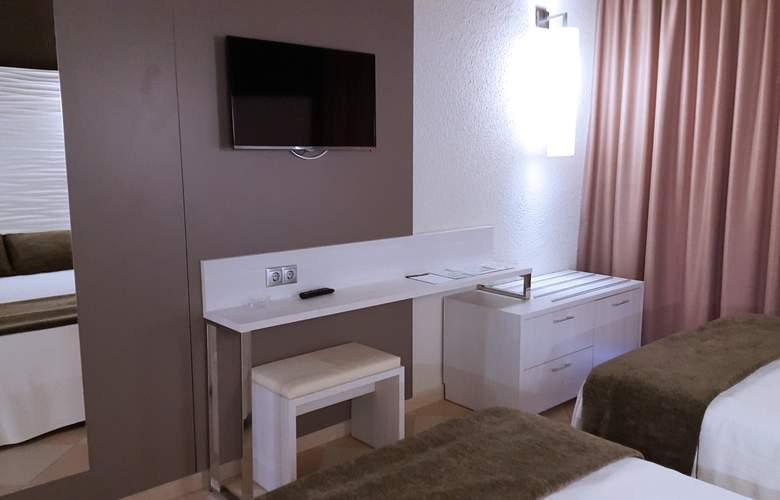 Augustus - Room - 19