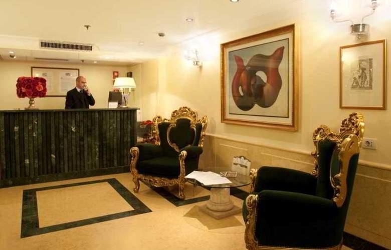 Dona Palace - Hotel - 0