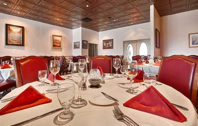 Best Western Premier Grand Canyon Squire Inn - Restaurant - 140