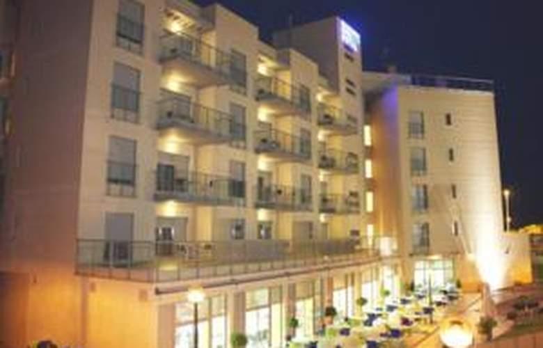 Apartamentos Alcocebre Suites 3000 - Hotel - 8