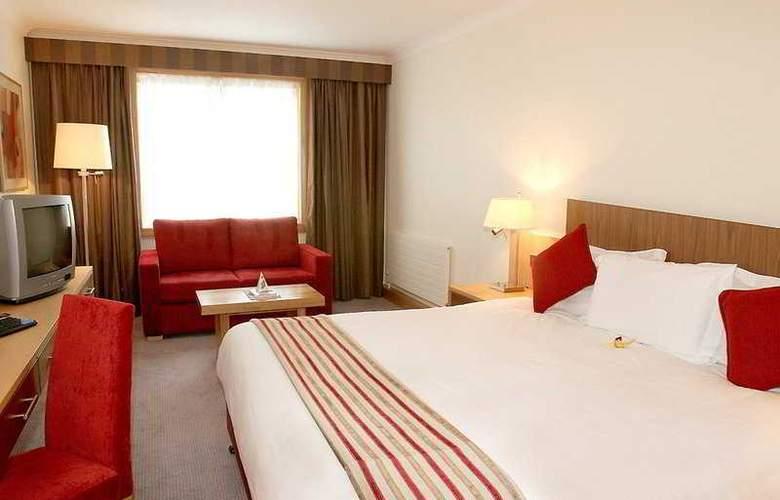 Clayton Cardiff Lane - Room - 2