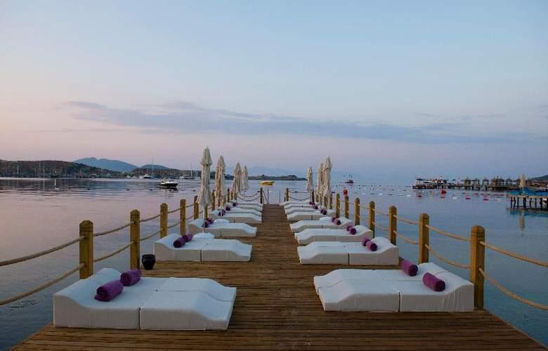 Ramada Resort Bodrum - Beach - 34