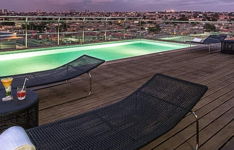 Executive Hotel Samba - Pool - 2
