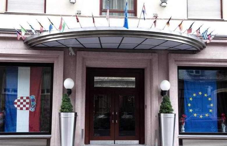 Best Western Premier Astoria - Hotel - 96