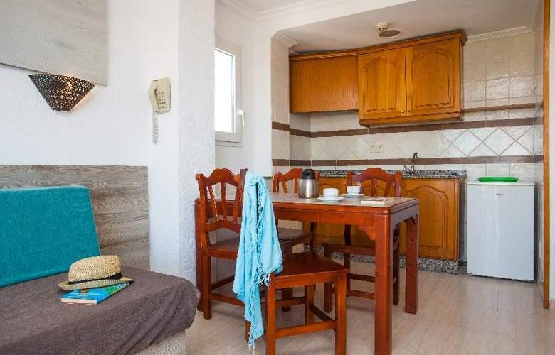 Apartamentos Benhur - Room - 2