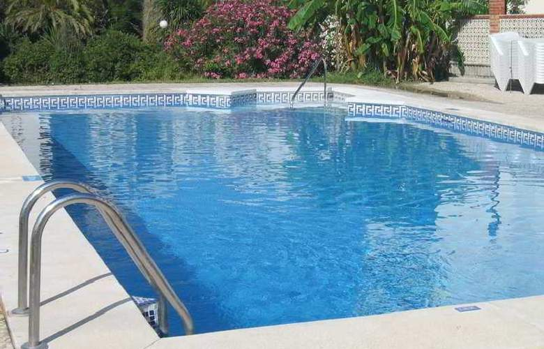 Aparthotel Sunny Beach - Pool - 6