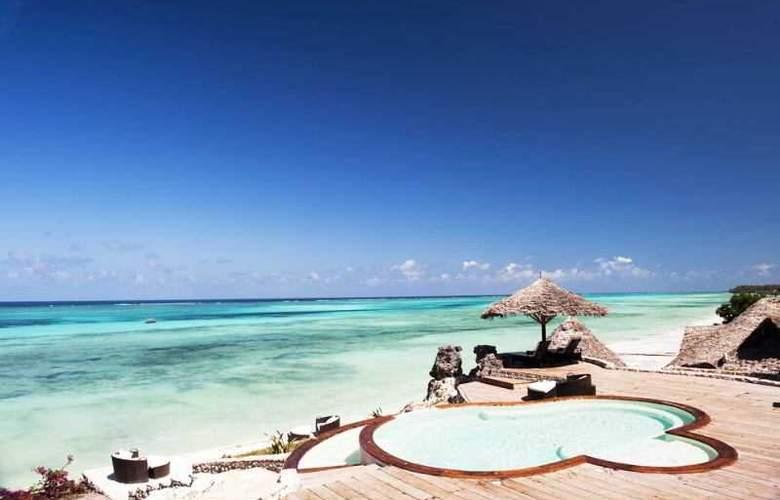Karafuu Hotel Beach Resort - Terrace - 4