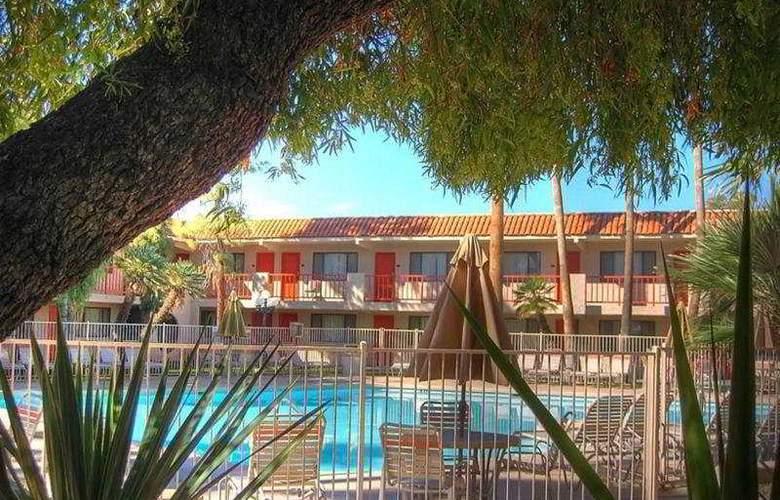 Dobson Ranch Inn - Pool - 4