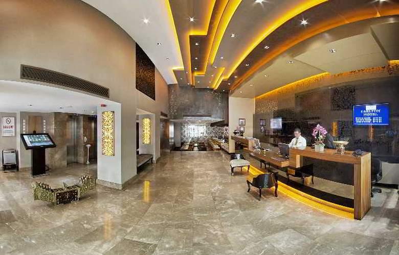 Carlton - Hotel - 0