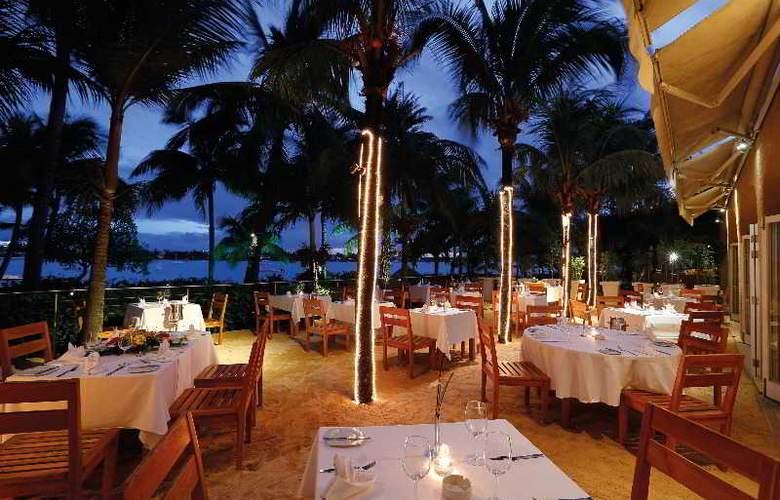 Mauricia Beachcomber Resort & Spa - Restaurant - 35