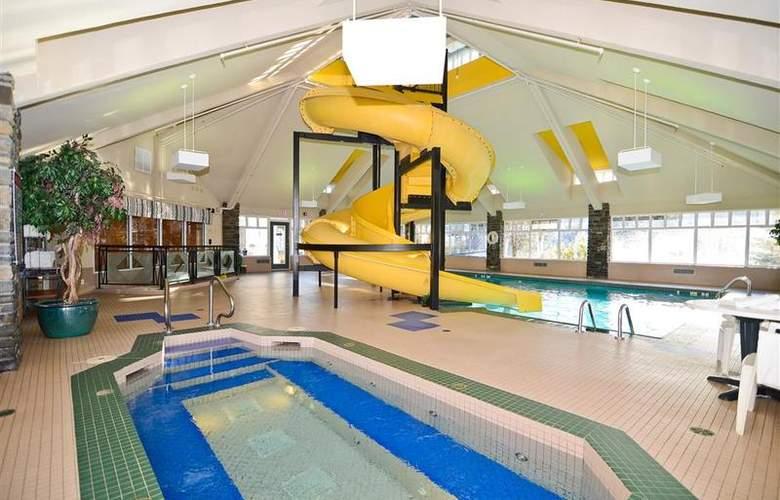 Best Western Plus Pocaterra Inn - Pool - 143