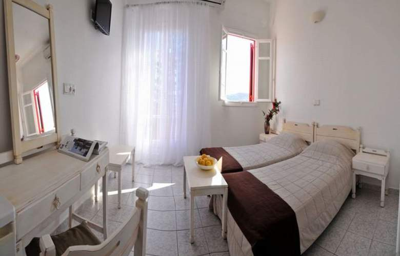 Loukas Pensions - Room - 3