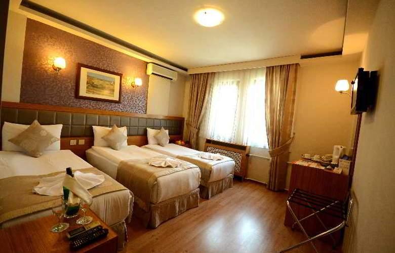 Anzac - Room - 12