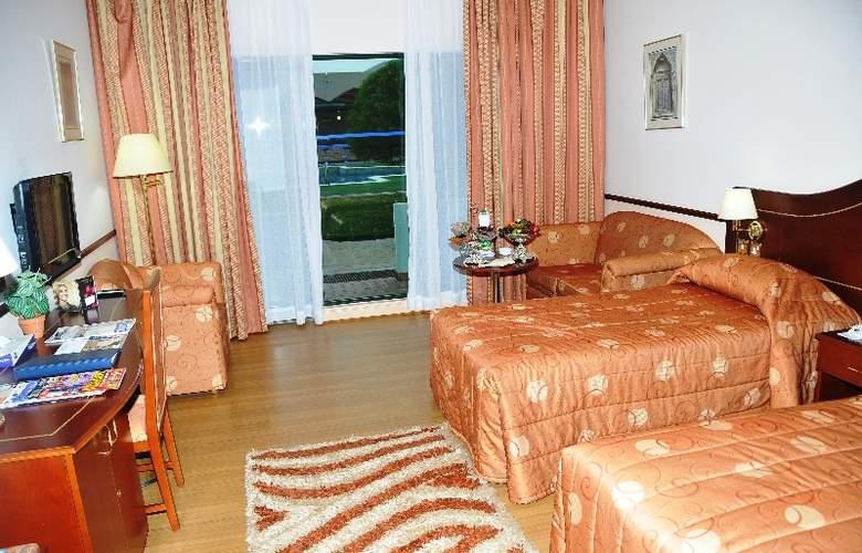 Golden Tulip Nizwa - Room - 11