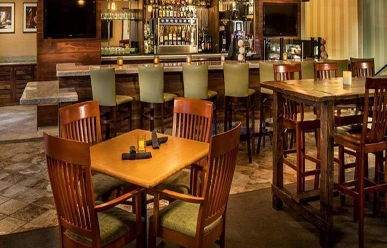 DoubleTree by Hilton Hotel Bend - Restaurant - 16