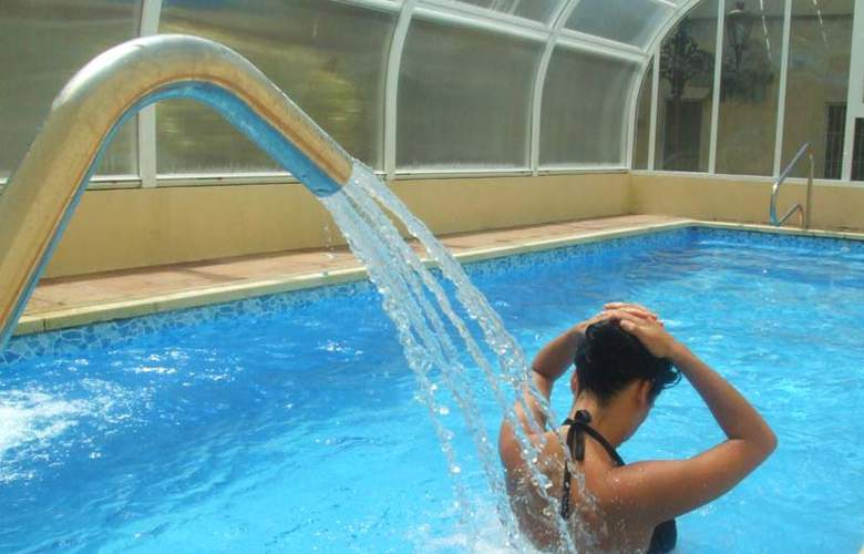 Balneario Parque de Alceda - Services - 3