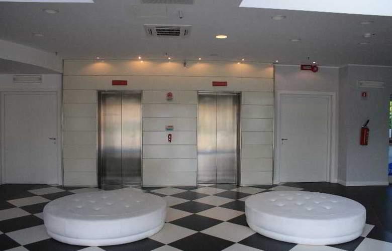 Idea Hotel Milano Malpensa Airport - General - 9