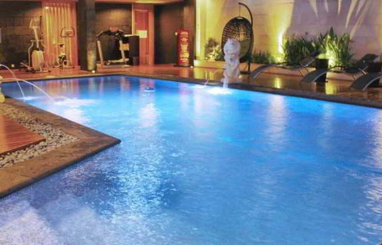 Puri Denpasar - Pool - 12