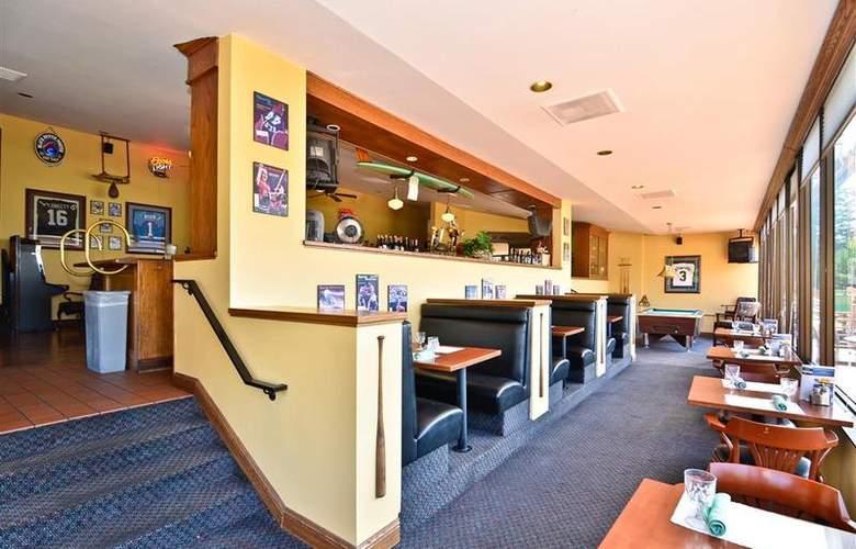 Best Western Plus Agate Beach Inn - Bar - 91
