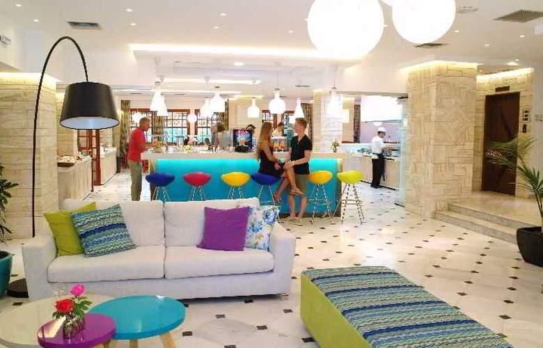 Kyknos Beach Hotel and Bungalows - Bar - 5
