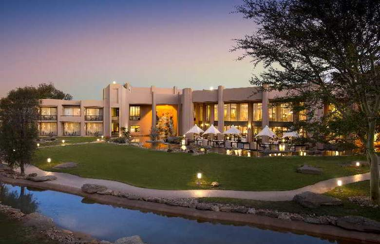 Windhoek Country Club Resort - Hotel - 8