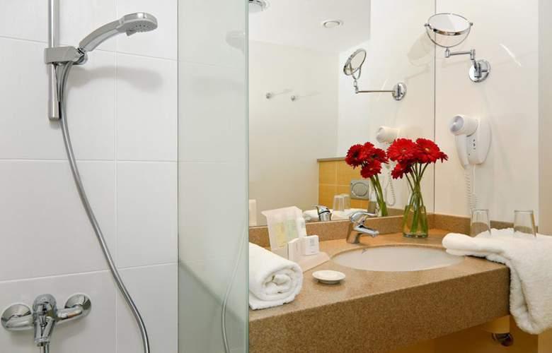 Aquapalace Hotel Prague - Room - 11