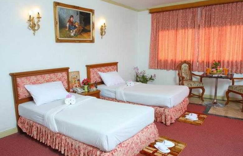 13 Coins Hotel Bang Yai, Bangkok - Room - 4