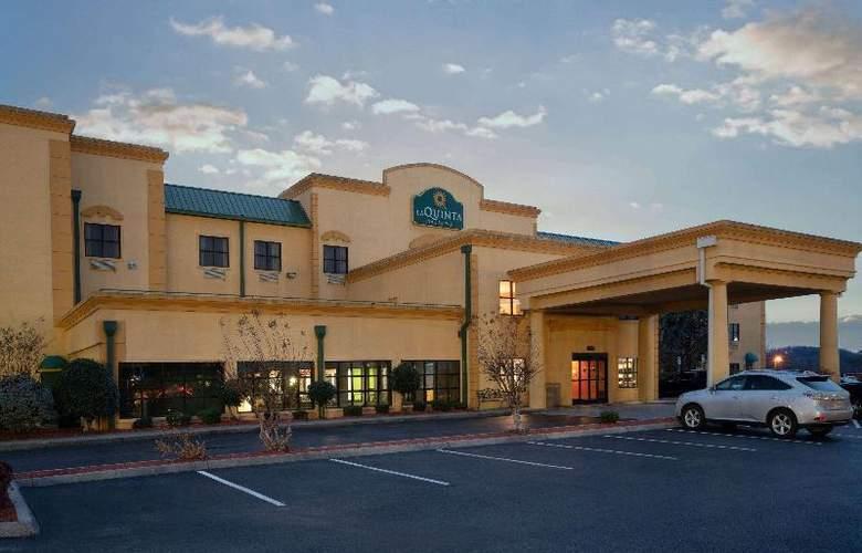 La Quinta Inn & Suites Knoxville Strawberry Plains - Hotel - 4
