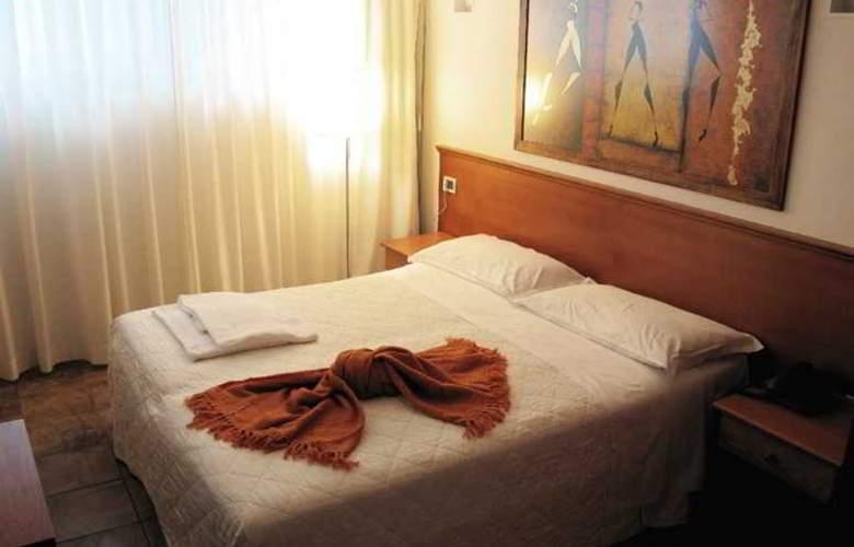 Principe di Piemonte (Rimini) - Room - 16