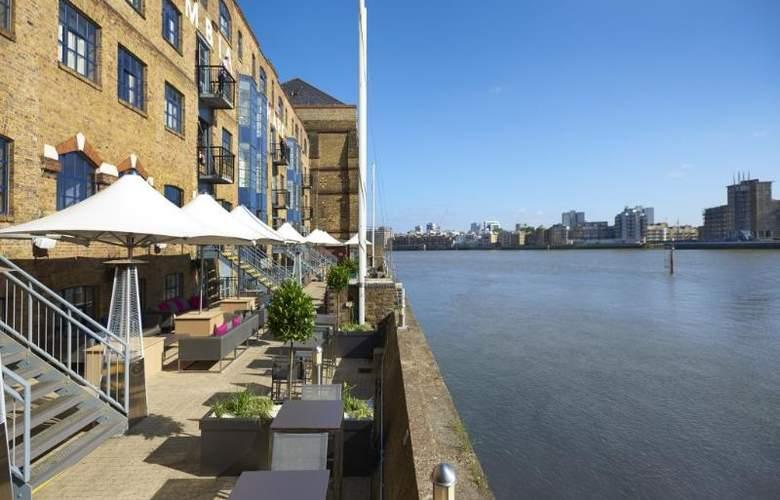 Hilton London Docklands Riverside - Terrace - 56