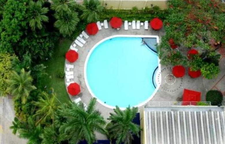 Barranquilla Plaza - Pool - 1