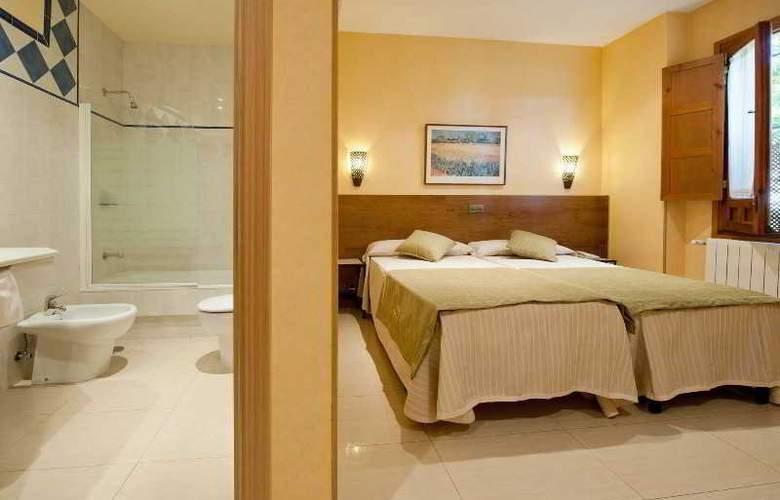 Hotel Sol - Room - 13