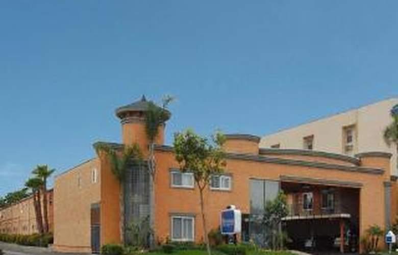 Rodeway Inn & Suites Near Convention Center - Hotel - 0