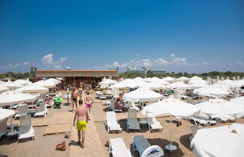 Water Side Delux Resort - Beach - 70