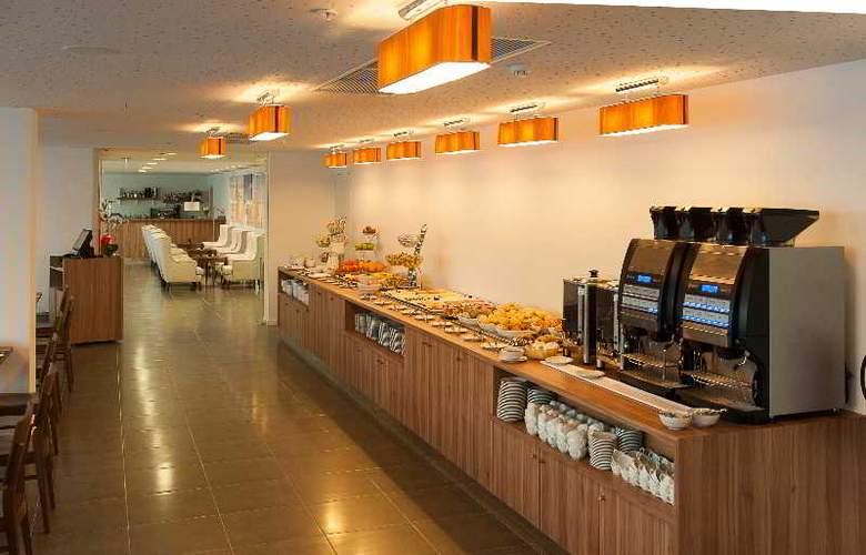 Eurostars Oasis Plaza - Restaurant - 45