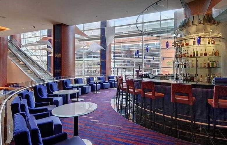 Hilton Baltimore - Bar - 5