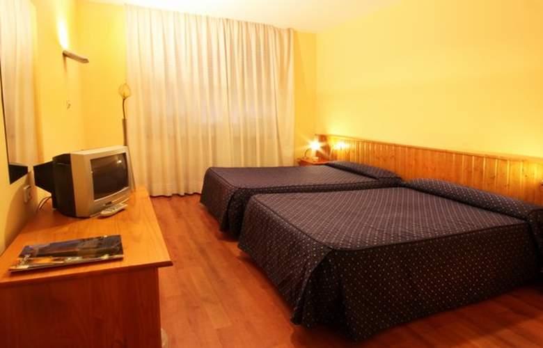 Isabel de Segura - Room - 4