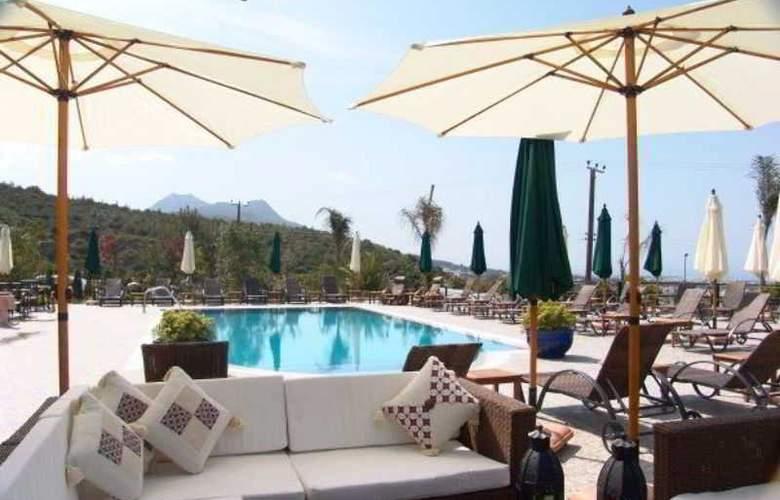 Bella View Boutique Hotel - Pool - 2