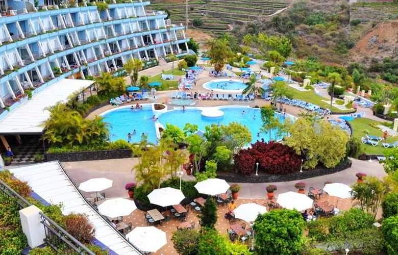La Quinta Park Suites - Pool - 17