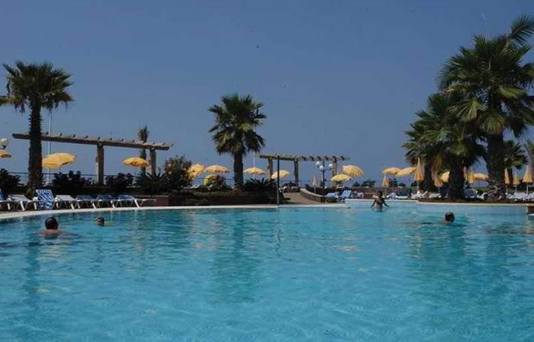 Calheta Beach - Pool - 2