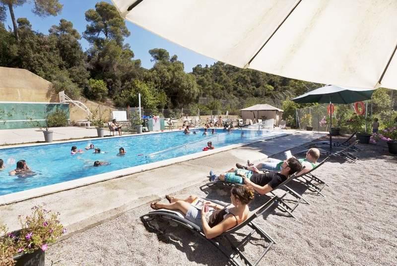 Inout Hostel - Pool - 5