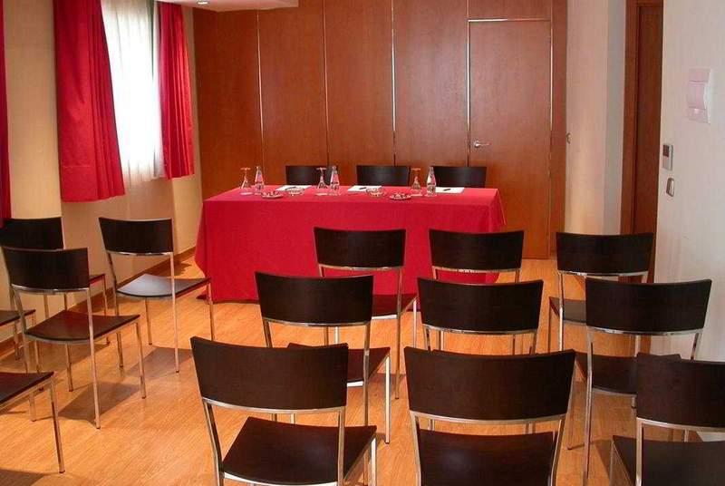 Exe Puerta de San Pedro - Conference - 11