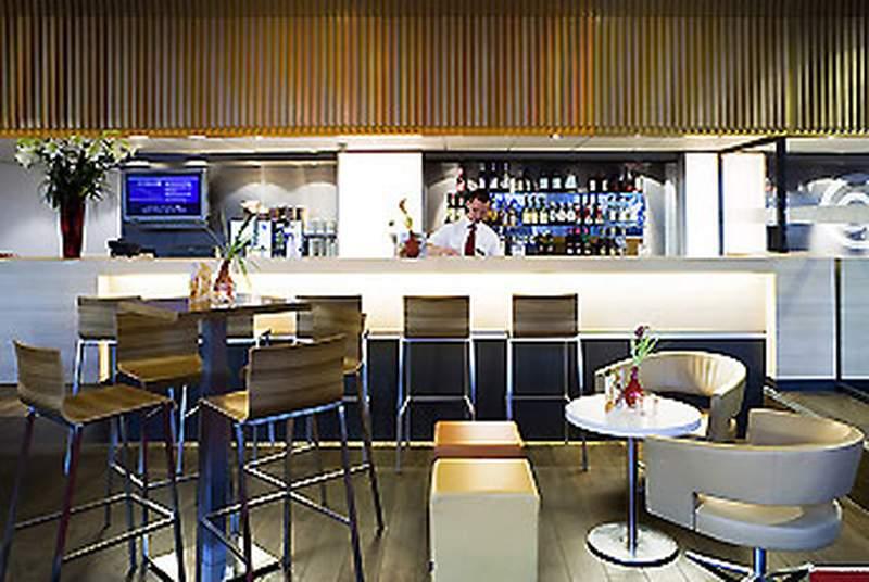 Ibis Amsterdam Centre - Bar - 7